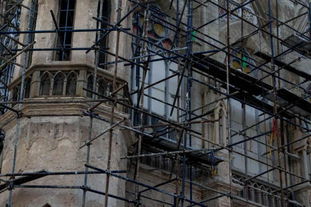 שיקום מבנים עם פיגומים בכל הארץ